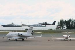 Hiro-hiroさんが、プリンセス・ジュリアナ国際空港で撮影したPrestige Air CL-600-2A12 Challenger 601の航空フォト(飛行機 写真・画像)