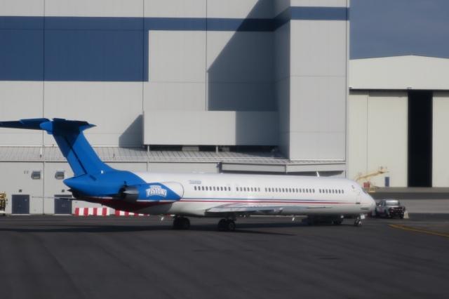 ニューアーク・リバティー国際空港 - Newark Liberty International Airport [EWR/KEWR]で撮影されたニューアーク・リバティー国際空港 - Newark Liberty International Airport [EWR/KEWR]の航空機写真(フォト・画像)