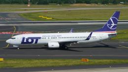 singapore346さんが、デュッセルドルフ国際空港で撮影したLOTポーランド航空 737-89Pの航空フォト(飛行機 写真・画像)