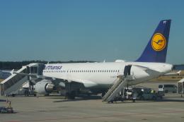 航空フォト:D-AIPT ルフトハンザドイツ航空 A320