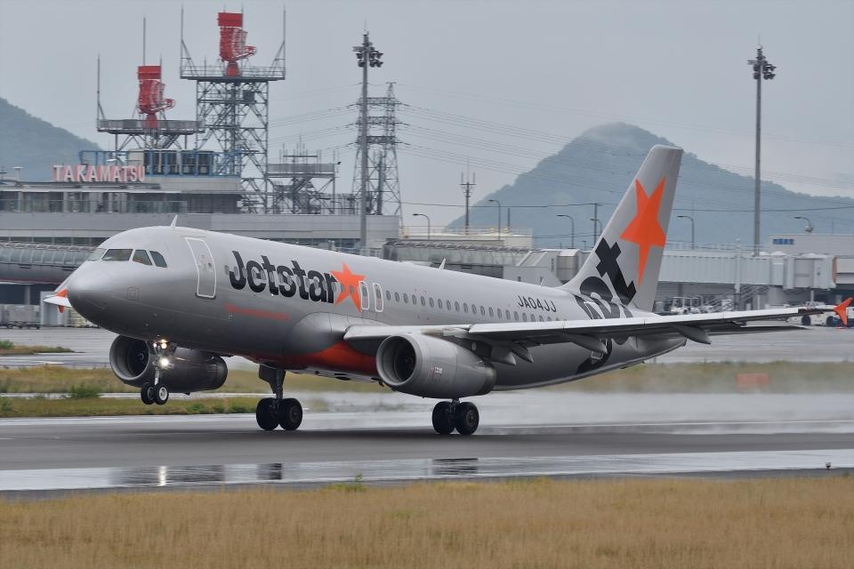 qooさんのジェットスター・ジャパン Airbus A320 (JA04JJ) 航空フォト