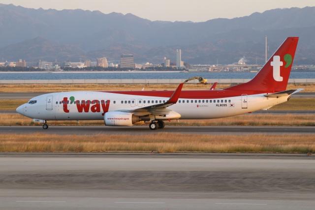 磐城さんが、関西国際空港で撮影したティーウェイ航空 737-8Q8の航空フォト(飛行機 写真・画像)
