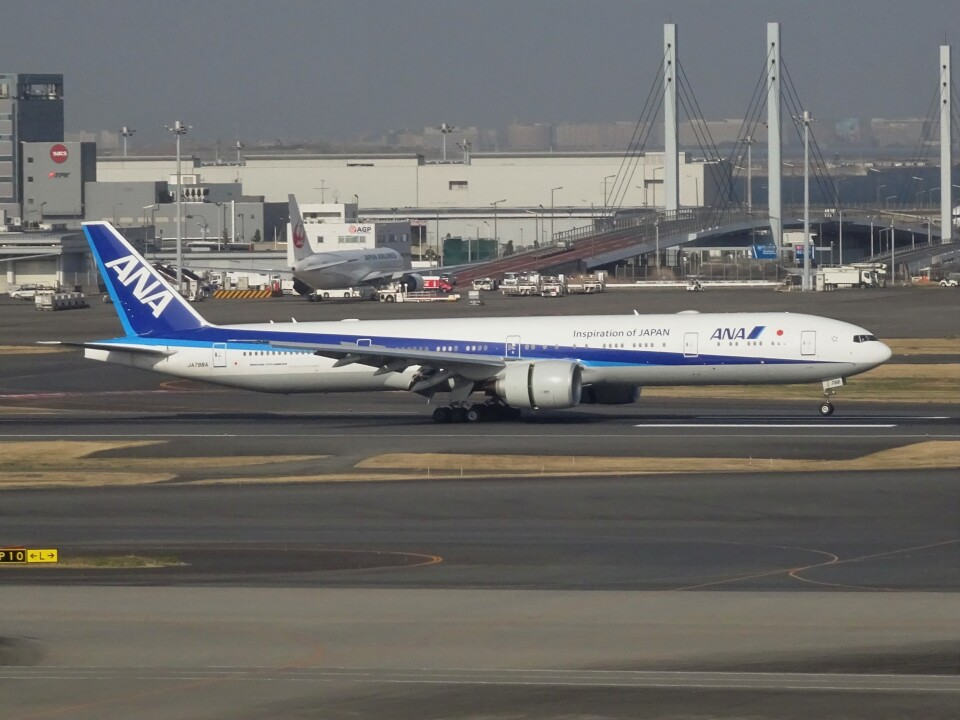 STAR711Aさんの全日空 Boeing 777-300 (JA798A) 航空フォト