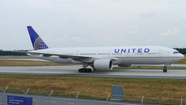 singapore346さんが、フランクフルト国際空港で撮影したユナイテッド航空 777-222/ERの航空フォト(飛行機 写真・画像)