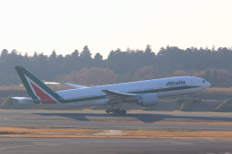 inyoさんが、成田国際空港で撮影したアリタリア航空 777-243/ERの航空フォト(飛行機 写真・画像)