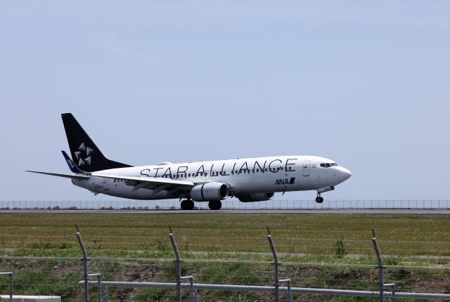 navipro787さんが、宮崎空港で撮影した全日空 737-881の航空フォト(飛行機 写真・画像)