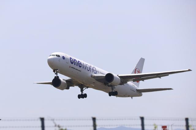 EosR2さんが、鹿児島空港で撮影した日本航空 767-346の航空フォト(飛行機 写真・画像)