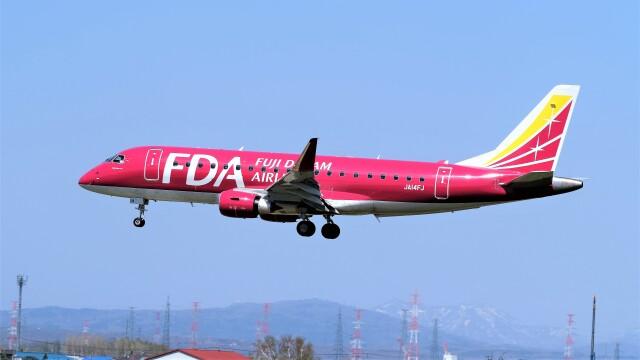 hidetsuguさんが、札幌飛行場で撮影したフジドリームエアラインズ ERJ-170-200 (ERJ-175STD)の航空フォト(飛行機 写真・画像)
