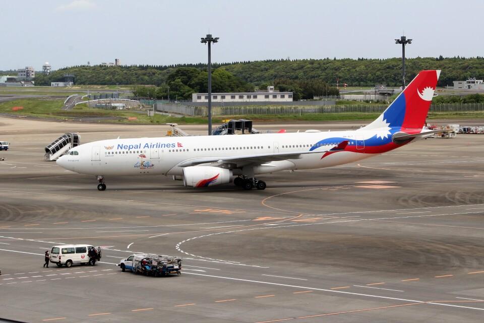 OMAさんのネパール航空 Airbus A330-200 (9N-ALY) 航空フォト