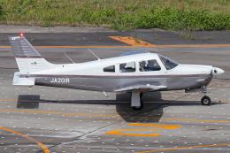 A.Tさんが、名古屋飛行場で撮影した日本個人所有 PA-28R-201 Arrowの航空フォト(飛行機 写真・画像)