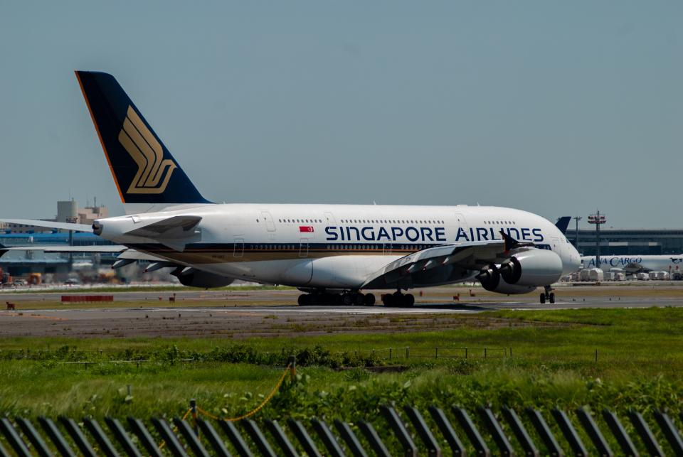リゾッチャ(紫)さんのシンガポール航空 Airbus A380 (9V-SKC) 航空フォト