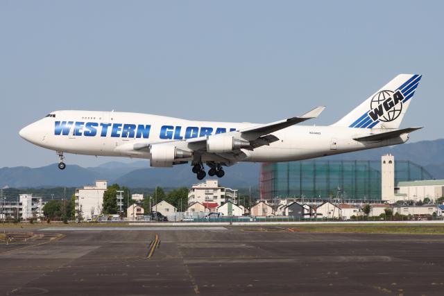 マリオ先輩(N)さんが、横田基地で撮影したウエスタン・グローバル・エアラインズ 747-446(BCF)の航空フォト(飛行機 写真・画像)
