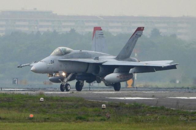 チャレンジャーさんが、厚木飛行場で撮影したアメリカ海兵隊 F/A-18A Hornetの航空フォト(飛行機 写真・画像)
