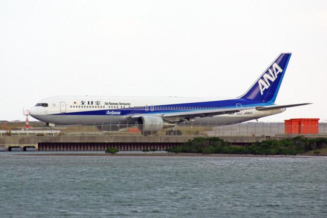 apphgさんが、那覇空港で撮影した全日空 767-381/ERの航空フォト(飛行機 写真・画像)
