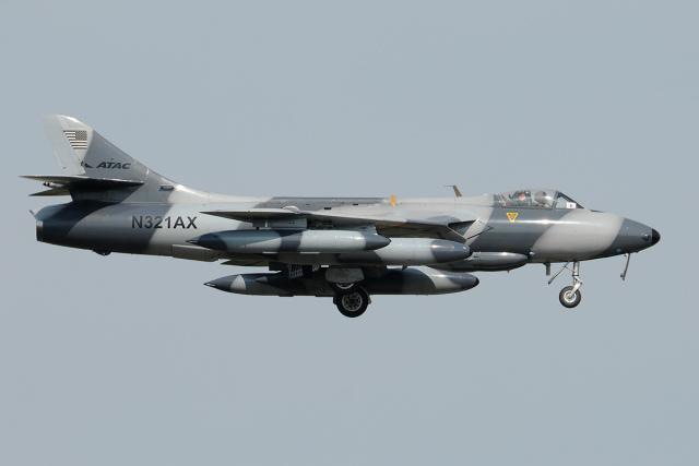 Tomo-Papaさんが、厚木飛行場で撮影したATAC Hunter F.58の航空フォト(飛行機 写真・画像)