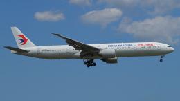 おずもさんが、成田国際空港で撮影した中国東方航空 777-39P/ERの航空フォト(飛行機 写真・画像)