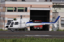 KAZFLYERさんが、東京ヘリポートで撮影した日本法人所有 AS350B3 Ecureuilの航空フォト(飛行機 写真・画像)