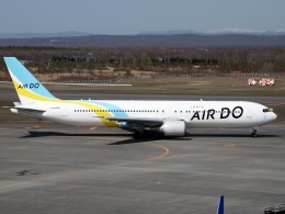 FT51ANさんが、新千歳空港で撮影したAIR DO 767-381/ERの航空フォト(飛行機 写真・画像)
