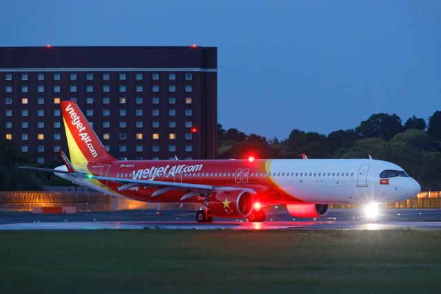 SGR RT 改さんが、成田国際空港で撮影したベトジェットエア A321-271NXの航空フォト(飛行機 写真・画像)