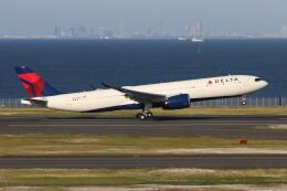 青春の1ページさんが、羽田空港で撮影したデルタ航空 A330-941の航空フォト(飛行機 写真・画像)