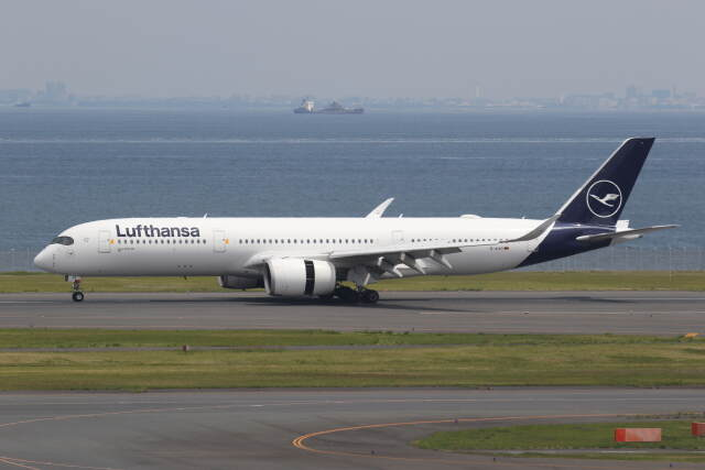 プルシアンブルーさんが、羽田空港で撮影したルフトハンザドイツ航空 A350-941の航空フォト(飛行機 写真・画像)
