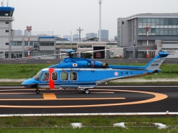 FT51ANさんが、東京ヘリポートで撮影した警視庁 AW139の航空フォト(飛行機 写真・画像)