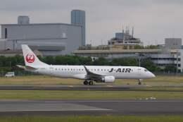 平凡なおっちゃんさんが、伊丹空港で撮影したジェイエア ERJ-190-100(ERJ-190STD)の航空フォト(飛行機 写真・画像)