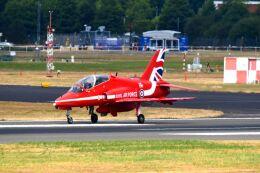 まいけるさんが、ファンボロー空港で撮影したイギリス空軍 BAe Hawk T1の航空フォト(飛行機 写真・画像)
