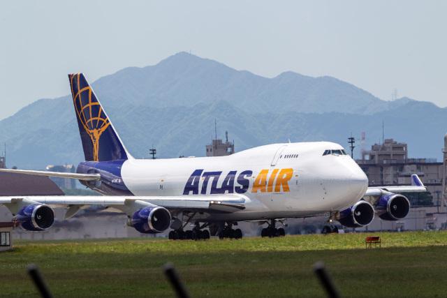 ファントム無礼さんが、横田基地で撮影したアトラス航空 747-45E(BDSF)の航空フォト(飛行機 写真・画像)