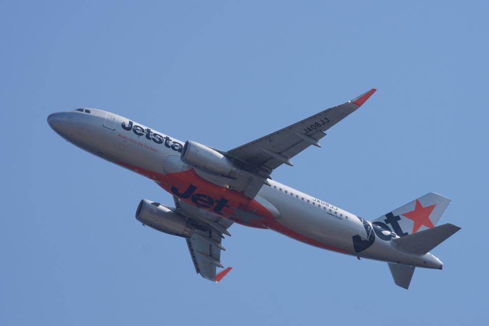 神宮寺ももさんのジェットスター・ジャパン Airbus A320 (JA08JJ) 航空フォト