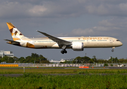 雲霧さんが、成田国際空港で撮影したエティハド航空 787-9の航空フォト(飛行機 写真・画像)