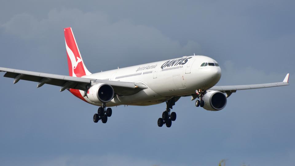 saoya_saodakeさんのカンタス航空 Airbus A330-300 (VH-QPB) 航空フォト