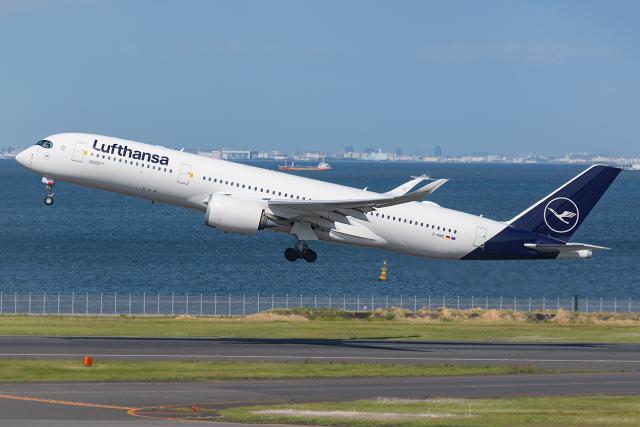 Tomo-Papaさんが、羽田空港で撮影したルフトハンザドイツ航空 A350-941の航空フォト(飛行機 写真・画像)