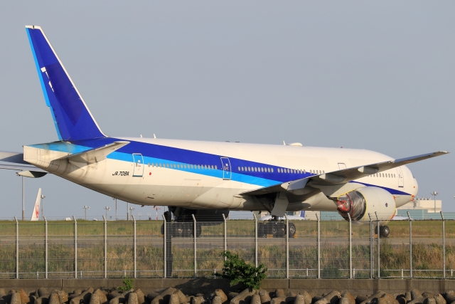anyongさんが、羽田空港で撮影した全日空 777-281/ERの航空フォト(飛行機 写真・画像)