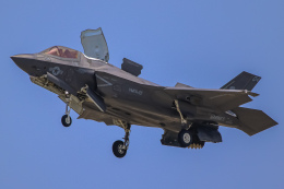 rokko2000さんが、岩国空港で撮影したアメリカ海兵隊 F-35B Lightning IIの航空フォト(飛行機 写真・画像)