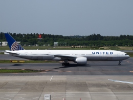 FT51ANさんが、成田国際空港で撮影したユナイテッド航空 777-322/ERの航空フォト(飛行機 写真・画像)