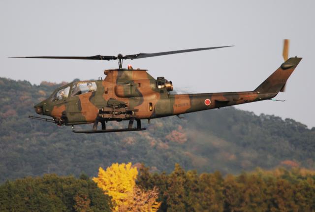 チャーリーマイクさんが、築城基地で撮影した陸上自衛隊 AH-1Sの航空フォト(飛行機 写真・画像)