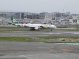 チャンギーVさんが、福岡空港で撮影したエバー航空 A330-302Xの航空フォト(飛行機 写真・画像)