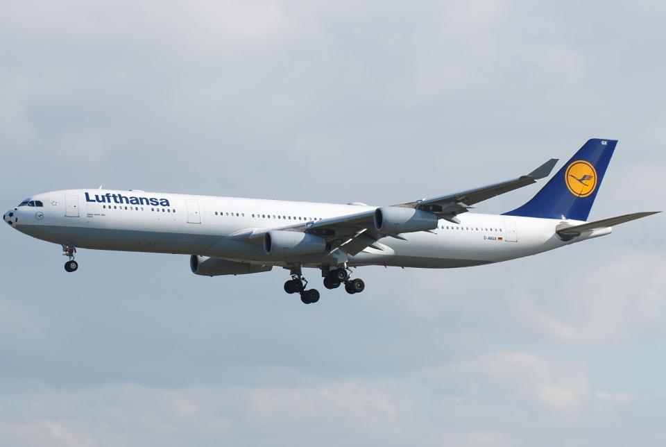 jun☆さんのルフトハンザドイツ航空 Airbus A340-300 (D-AIGX) 航空フォト