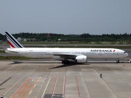 FT51ANさんが、成田国際空港で撮影したエールフランス航空 777-328/ERの航空フォト(飛行機 写真・画像)