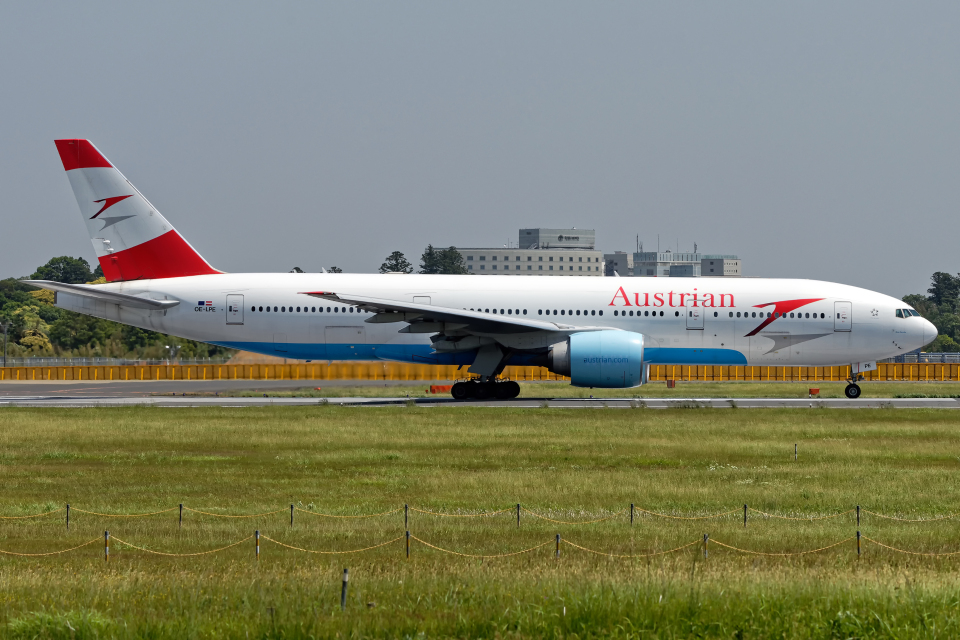 Cozy Gotoさんのオーストリア航空 Boeing 777-200 (OE-LPE) 航空フォト