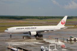 やまモンさんが、新千歳空港で撮影した日本航空 777-246の航空フォト(飛行機 写真・画像)