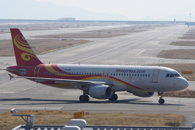 神宮寺ももさんが、関西国際空港で撮影した香港エクスプレス A320-214の航空フォト(飛行機 写真・画像)