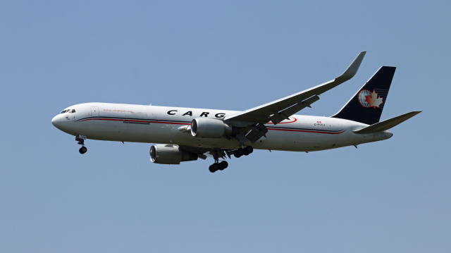 Nobu-oji_NEXUS6さんが、成田国際空港で撮影したカーゴジェット・エアウェイズ 767-323/ERの航空フォト(飛行機 写真・画像)