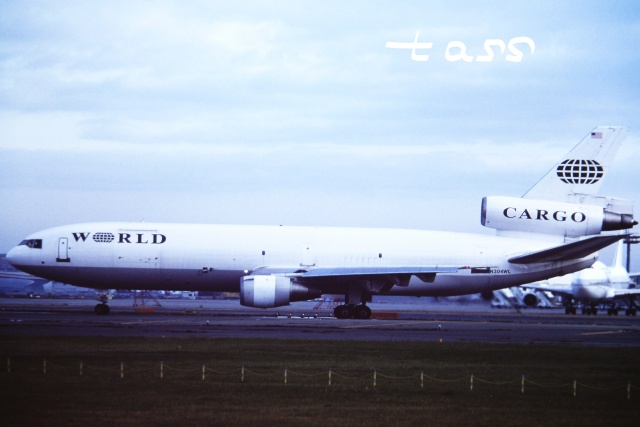tassさんが、成田国際空港で撮影したワールド・エアウェイズ DC-10-30Fの航空フォト(飛行機 写真・画像)