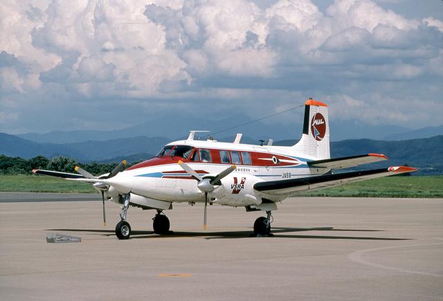 JAパイロットさんが、花巻空港で撮影した航空宇宙技術研究所 65 Queen Airの航空フォト(飛行機 写真・画像)
