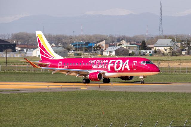 JA1118Dさんが、札幌飛行場で撮影したフジドリームエアラインズ ERJ-170-200 (ERJ-175STD)の航空フォト(飛行機 写真・画像)