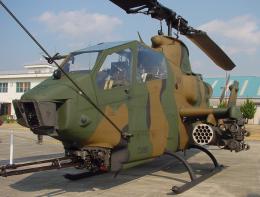 チャーリーマイクさんが、目達原駐屯地で撮影した陸上自衛隊 AH-1Sの航空フォト(飛行機 写真・画像)