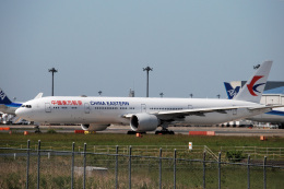 アルビレオさんが、成田国際空港で撮影した中国東方航空 777-39P/ERの航空フォト(飛行機 写真・画像)