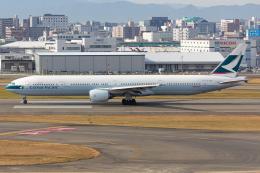 (新)ふぁんとむ改さんが、福岡空港で撮影したキャセイパシフィック航空 777-367の航空フォト(飛行機 写真・画像)